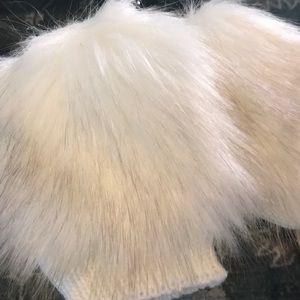 Trouve Faux Fur Handwarmers NWT